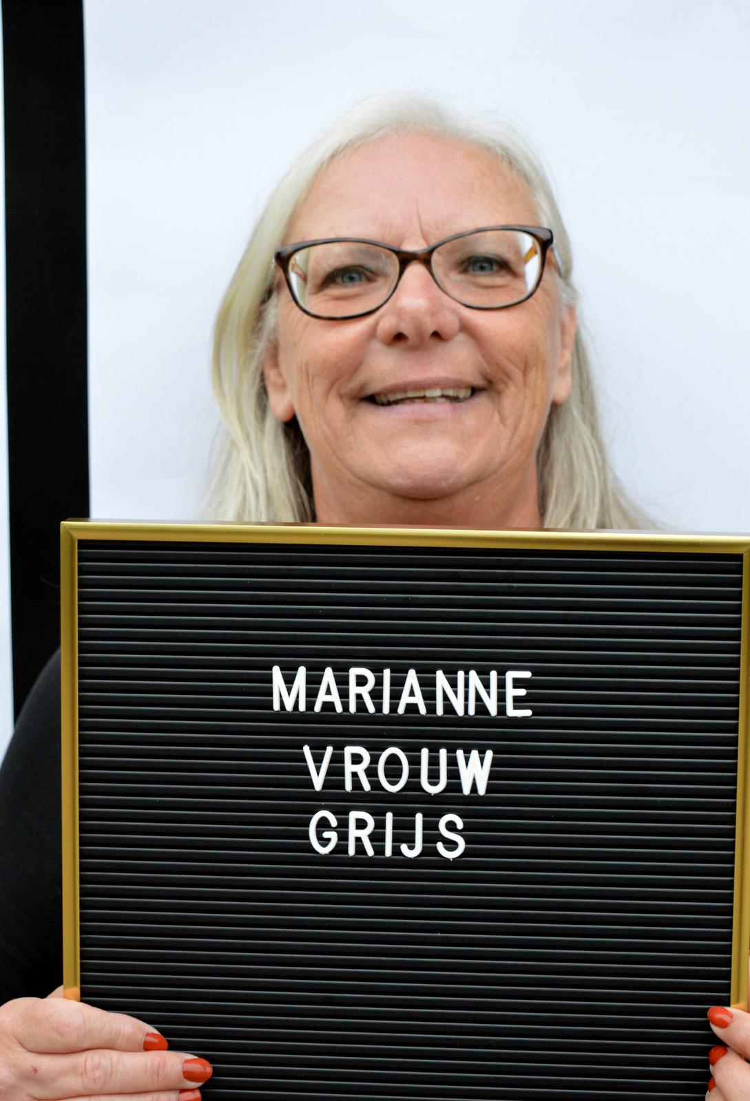 Marianne  - Buiten de grenzen
